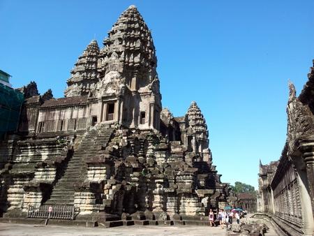 Inne i Angkor Wat