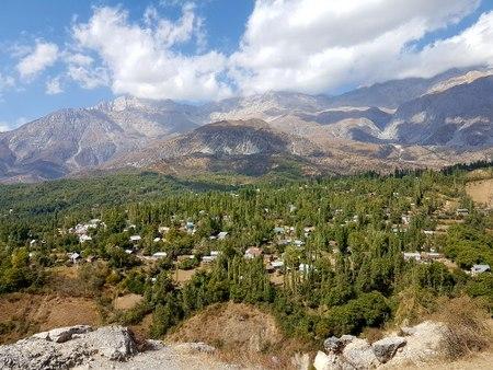 Utsikt over landsbyen
