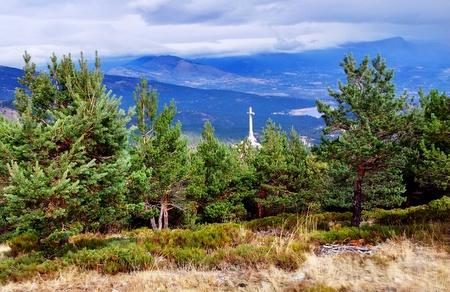 Utsikt mot Francos monument i Valle de los Caidos (De Falnes dal)