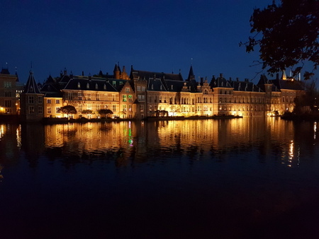 Binnenhof by night