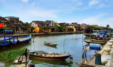 Lett å få seg en båttur i Hoi An