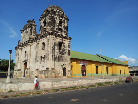 Kirke i Leon