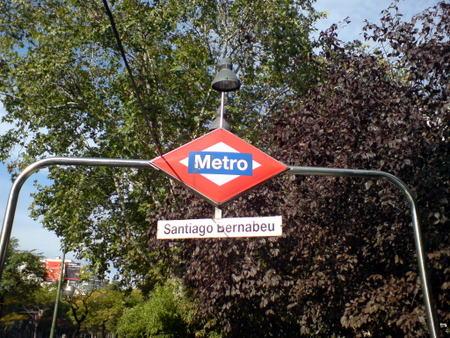 Santiago Bernabeu har sin egen metrostasjon
