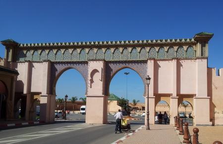 En av mange porter i Meknes