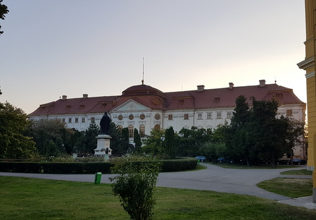 Bispepalasset i Oradea