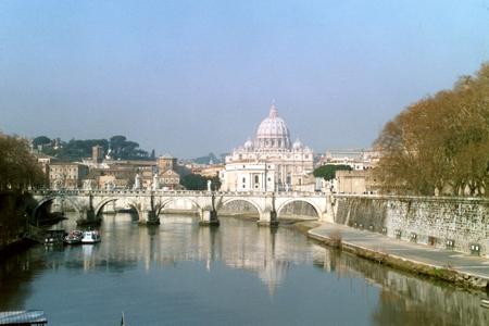 Tiber og Peterskirken