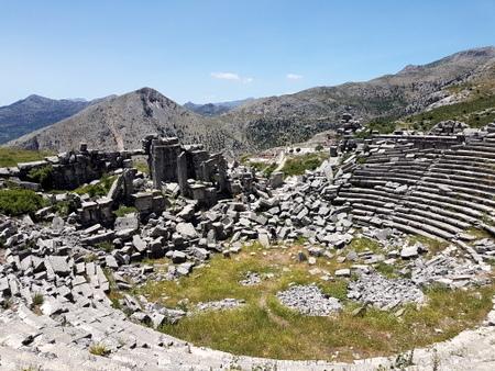 Amfiteateret er fremdeles i dårlig stand