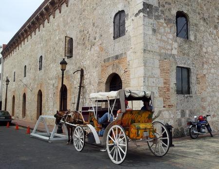 Hest og kjerre i Zona Colonial