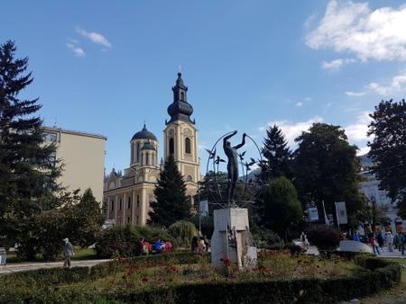Kirke og skulptur