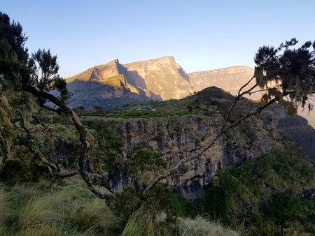 Soloppgang i fjellene