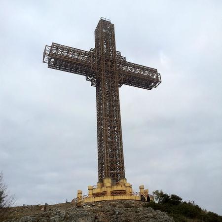 Milleniumkorset på toppen av fjellet Vodno