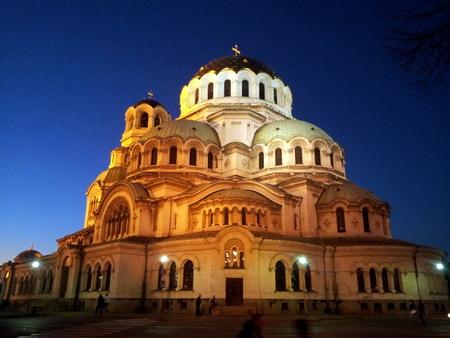 Aleksander Nevskij katedralen by night