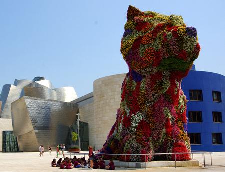 Puppy utenfor Guggenheim-museet