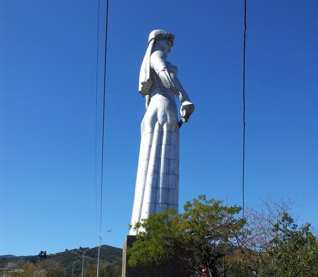 Mor Georgia statuen