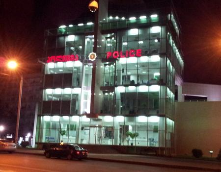 Politistasjonene i Georgia har glassfasader