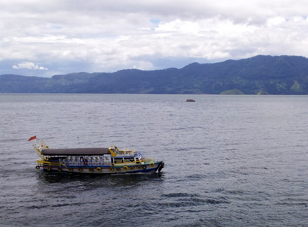 Ferje på Toba-innsjøen