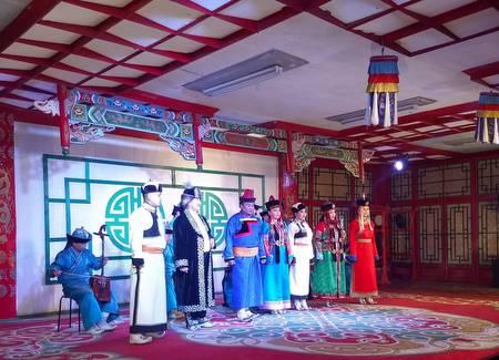 Mongolsk sang og dans