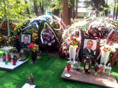 Kister av døde soldater