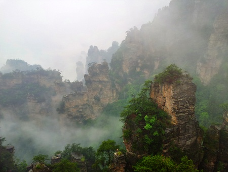 Tåke i Zhangjiajie