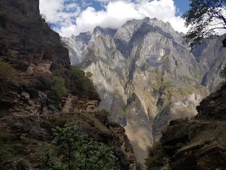 fjelltur_kina_tiger_leaping_gorge_utsikt