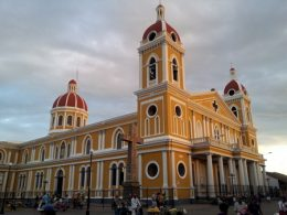 granada_gul_katedral01