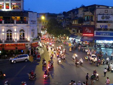 hanoi_by_night_Flickr_DAMFrederich001